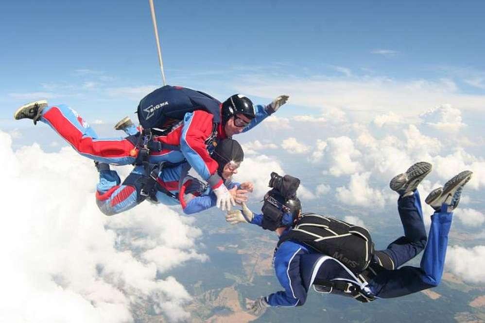 Skydiving - Tandem jumps Prague | Magical Prague